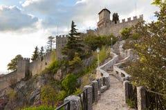 San Marino - Guaita или Rocca, первая башня Стоковые Фотографии RF