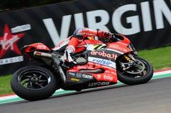 San Marino Italien - Maj 12, 2017: Ducati Panigale R av Aruba det Racing-Ducati SBK lag som är drivande vid DAVIES Chaz i handlin Royaltyfri Fotografi