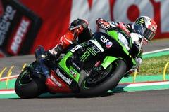 San Marino Italien - Maj 12: Jonathan Rea av Storbritannien Kawasaki Racing Team rider under qualifyngperiod på Imola Circuit arkivfoton