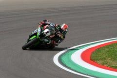 San Marino Italien - Maj 12: Jonathan Rea av Storbritannien Kawasaki Racing Team rider under qualifyngperiod på Imola Circuit arkivfoto