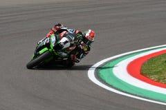 San Marino Italien - Maj 12: Jonathan Rea av Storbritannien Kawasaki Racing Team ritter under qualifyng fotografering för bildbyråer