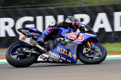 San Marino Italy - 12 de mayo: Alex Lowes GBR Yamaha YZF R1 Pata Yamaha Official Team SBK Rizla, en la acción en Imola Circuit fotos de archivo