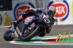 San Marino Italy - 11. Mai 2018: Team Michael-Packwagen der Mark NED Yamahas YZF R1 Pata Yamaha Official WorldSBK, in der Aktion Lizenzfreies Stockfoto