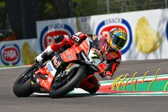 San Marino Italy - Maj 11, 2018: Chaz Davies GBR Ducati Panigale R Aruba det som springer - Ducati lag, i handling Arkivfoton