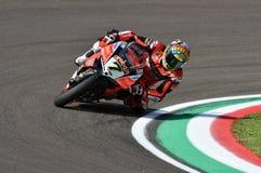 San Marino Italy - Maj 11, 2018: Chaz Davies GBR Ducati Panigale R Aruba det som springer - Ducati lag, i handling Royaltyfria Foton
