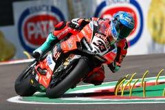 San Marino Italy - Maj 11, 2018: Marco Melandri ITA Ducati Panigale R Aruba det som springer - Ducati lag, i handling Royaltyfri Fotografi