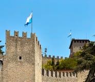 San-marino, San Marino - Juli 10, 2017: De nationale vlag van de Republiek Stock Foto