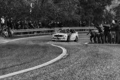 SAN MARINO - OTT 21, 2017: BMW M3 E30 1989 w starego bieżnego samochodu wiecu dziejowej rasie Fotografia Stock