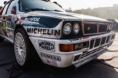 SAN MARINO, SAN MARINO - OTT 21, 2017: DELTA INTERNACIONAL DE LANCIA 16V 1991 en la vieja reunión del coche de competición LA LEY Foto de archivo
