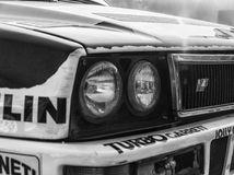 SAN MARINO SAN MARINO - OTT 21, 2017: LANCIA DELTA INT 16V 1991 i gammal tävlings- bil samlar LEGENDEN 2017 den hans berömda SAN  Arkivbild