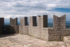 San Marino ragt Spitze hoch Stockfoto