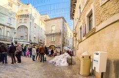 San Marino San Marino State, - Januari 4 2015 - många personer är Royaltyfri Foto
