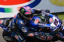 San Marino Włochy, Maj 11 -, 2018: Alex Lowes GBR Yamaha YZF R1 Pat Yamaha urzędnika WorldSBK drużyna w akci, Fotografia Stock