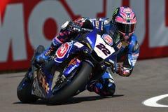 San Marino Włochy, Maj 12 -: Alex Lowes GBR Yamaha YZF R1 Pat Yamaha urzędnika drużyna SBK Rizla w akci przy Imola obwodem, Zdjęcia Royalty Free