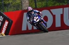 San Marino Włochy, Maj 12 -: Alex Lowes GBR Yamaha YZF R1 Pat Yamaha urzędnika drużyna SBK Rizla w akci przy Imola obwodem, Obraz Royalty Free