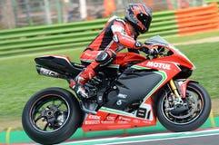 San Marino Włochy, Maj 11 -, 2018: Jordi Torres MV Agusta 1000 F4 MV Agusta Reparto Corse ESP drużyna w akci, Zdjęcia Stock