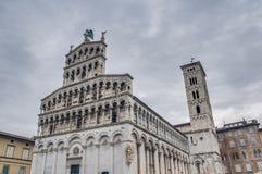 San Michele in Foro, eine Kirche in Lucca, Italien. Stockbild