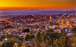 SAN Miguel de Allende Μεξικό Miramar αγνοεί το ευρύ βράδυ στοκ φωτογραφίες
