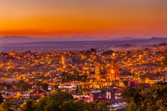 San Miguel De Allende Meksyk Miramar Przegapia zmierzch Parroquia obraz stock