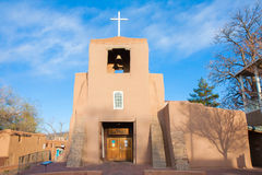 San Miguel Mission bei Sonnenuntergang, Santa Fe, New Mexiko Stockfoto