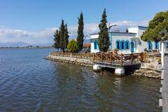 San Nicholas Monastery individuato su due isole a Oporto Lagos vicino alla città di Xanthi, Grecia fotografie stock libere da diritti