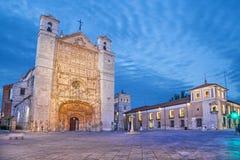 San Pablo Church na noite, Valladolid foto de stock