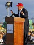 SAN PEDRO, CA - SEPTEMBER 15, 2015: Donald Trump, de Republikeinse presidentiële kandidaat van 2016, spreekt tijdens een verzamel Stock Foto's