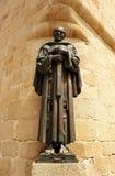 San Pedro de Alcantara, escultura de bronce, Caceres, Extremadura, España Fotos de archivo