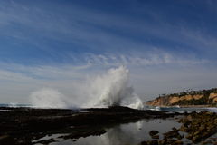 San Pedro, marée du sud de CA met en commun, ondule se briser Image stock