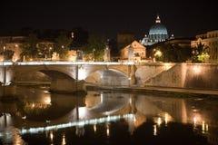 San Peter und Tiber Lizenzfreie Stockbilder