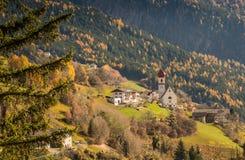 San Pietro di Laion, Bolzano, Italien royaltyfri fotografi
