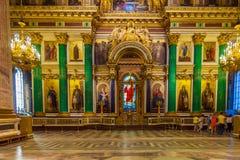 SAN PIETROBURGO, RUSSIA - 26 LUGLIO 2014: Turisti nell'inter Immagine Stock Libera da Diritti