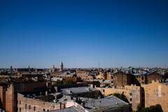 San Pietroburgo, Russia, può 2019, tetti di St Petersburg Bella vista della città da sopra fotografia stock libera da diritti
