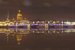 San Pietroburgo, vista di notte Fotografia Stock