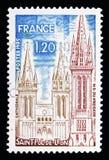 San Pol de Leon: La cattedrale e il Kreisker, serie di turismo, ci fotografie stock libere da diritti