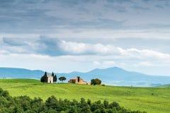 SAN QUIRICIO, TUSCANY/ITALY - MAJ 22: SChapel Vitaleta na th Obraz Stock