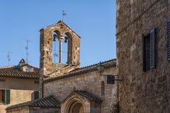 SAN QUIRICO D ` ORCIA,意大利- 2016年10月30日:圣玛丽亚Assunta,圣Quirico d ` Orcia教会  库存图片