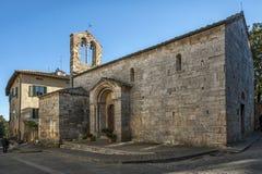 SAN QUIRICO D ` ORCIA,意大利- 2016年10月30日:圣玛丽亚Assunta,圣Quirico d ` Orcia教会  免版税库存照片