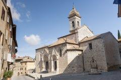 San Quirico d'Orcia (Toskana), Kirche Stockbilder