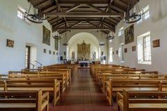 San Rafael Kalifornia, Wrzesień, - 24, 2018: Wnętrza misja San Rafael Arcangel obrazy royalty free