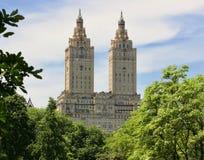 San Remo Towers en Central Park, NY fotografía de archivo libre de regalías