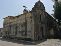 San Salvatore Telesino - Benedictinekyrka arkivfoto