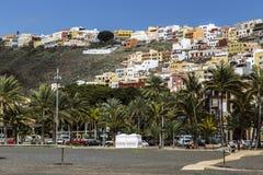 San Sebastian capital la La Gomera, repéré de la plage noire Images stock