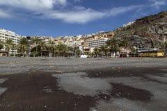 San Sebastian capital la La Gomera, repéré de la plage noire Photos stock