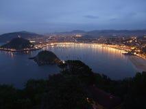 San Sebastian Donostia en la noche Foto de archivo