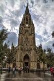 SAN SEBASTIAN, ESPANHA - 30 DE SETEMBRO DE 2015: Povos que visitam o bom pastor Cathedral de San Sebastian imagens de stock royalty free