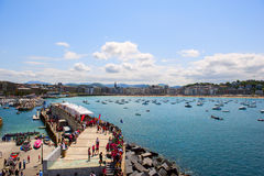 SAN SEBASTIAN SPANIEN JULI 12, 2015, sikt av stranden Royaltyfria Bilder