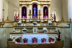 San sull'altare di una chiesa Fotografie Stock Libere da Diritti