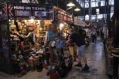 San Telmo Market, i hj?rtan av den gamla grannskapen av det samma namnet i staden av Buenos Aires, Argentina fotografering för bildbyråer
