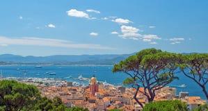 San Tropez mit Draufsicht Lizenzfreie Stockfotos